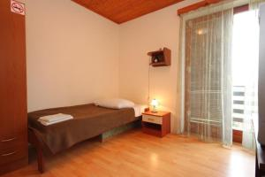 Single Room Veli Brgud 7840f - Male Mune