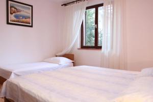 Apartments with a parking space Okrug Gornji, Ciovo - 10343, Apartmanok  Trogir - big - 13