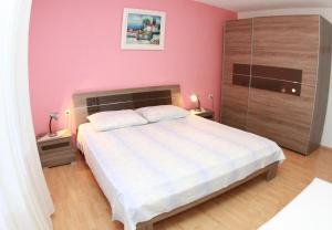 Apartments with a parking space Okrug Gornji, Ciovo - 10343, Apartmanok  Trogir - big - 14