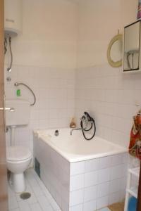 Apartments by the sea Seget Vranjica, Trogir - 4285, Апартаменты/квартиры  Трогир - big - 27