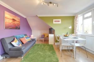Brunswick - Two Bedroom, Two Bathrooms and Garden View Balcony - Brighton & Hove