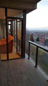 Grand View Apartment, Apartmány  Brašov - big - 7