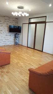 Grand View Apartment, Apartmány  Brašov - big - 10