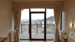Grand View Apartment, Apartmány  Brašov - big - 16