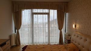 Grand View Apartment, Apartmány  Brašov - big - 21