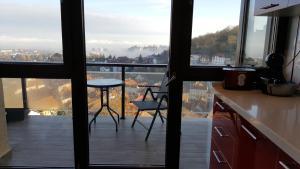 Grand View Apartment, Apartmány  Brašov - big - 35