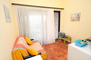 Apartment Jadranovo 3237a
