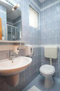 Twin Room Starigrad 3333h, Vendégházak  Starigrad-Paklenica - big - 10