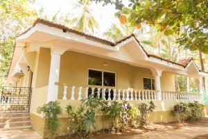 Standard Double Room Hill Top Goa Lodge