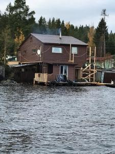 House on Lake Onega - Shoksha