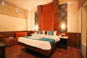 Hotel Aura, Отели  Нью-Дели - big - 126