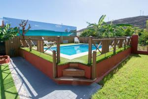 Family House & Private Pool, Nyaralók  Puertito de Güímar - big - 1
