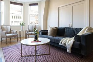 Three-Bedroom on Newbury Street Apt 31, Апартаменты  Бостон - big - 1