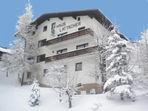 Haus Lattacher by Châtel Reizen - Accommodation - Stuben am Arlberg