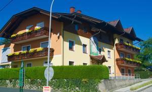 Pension Seerose - Hotel - Drobollach am Faakersee