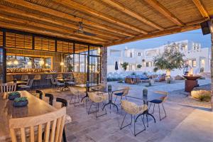 Portes Suites & Villas Mykonos, Aparthotely  Glastros - big - 33