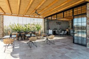 Portes Suites & Villas Mykonos, Aparthotely  Glastros - big - 60