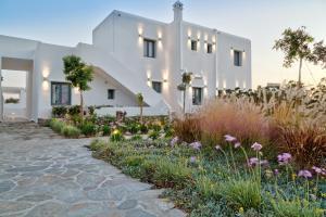 Portes Suites & Villas Mykonos, Aparthotely  Glastros - big - 34