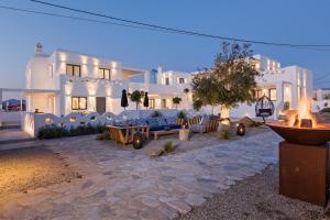 Portes Suites & Villas Mykonos, Aparthotely  Glastros - big - 36