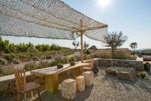 Portes Suites & Villas Mykonos, Aparthotely  Glastros - big - 71