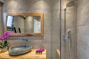 Portes Suites & Villas Mykonos, Aparthotely  Glastros - big - 26
