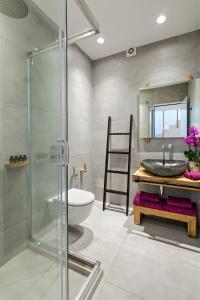 Portes Suites & Villas Mykonos, Aparthotely  Glastros - big - 76