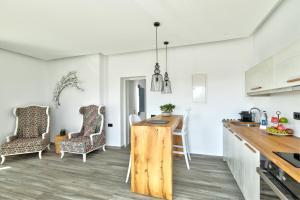 Portes Suites & Villas Mykonos, Aparthotely  Glastros - big - 31