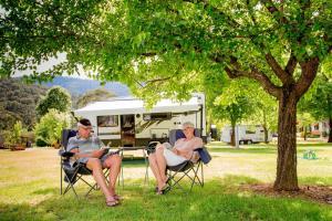 Bright Freeburgh Caravan Park, Комплексы для отдыха с коттеджами/бунгало  Брайт - big - 101