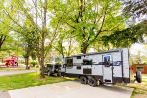 Bright Freeburgh Caravan Park, Комплексы для отдыха с коттеджами/бунгало  Брайт - big - 76