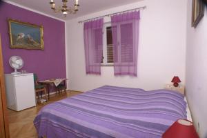 Triple Room Jelsa 4041b