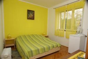 Double Room Jelsa 4041a