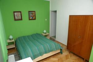 Double Room Jelsa 4041e