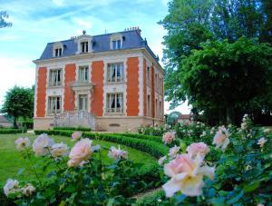 Château de la Chaix - Hotel - Saint-Christophe-en-Brionnais