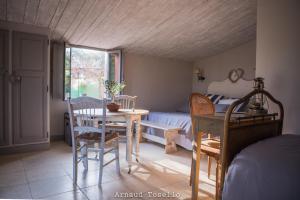 Le Clos Des Bourges, Holiday homes  Le Rouret - big - 9