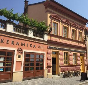 Hostales Baratos - Café Havlíček Penzion