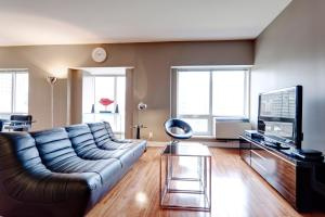 Palais-des-Congrès Furnished Apartments by Hometrotting, Apartmány  Montreal - big - 237