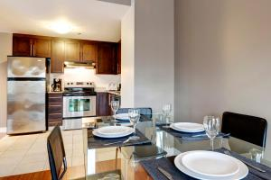 Palais-des-Congrès Furnished Apartments by Hometrotting, Apartmány  Montreal - big - 239