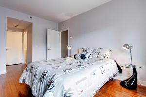Palais-des-Congrès Furnished Apartments by Hometrotting, Apartmány  Montreal - big - 248