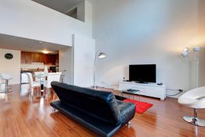 Palais-des-Congrès Furnished Apartments by Hometrotting, Apartmány  Montreal - big - 222