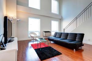 Palais-des-Congrès Furnished Apartments by Hometrotting, Apartmány  Montreal - big - 223