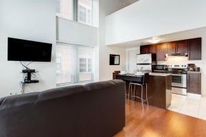 Palais-des-Congrès Furnished Apartments by Hometrotting, Apartmány  Montreal - big - 203