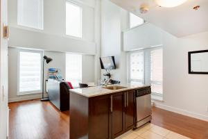 Palais-des-Congrès Furnished Apartments by Hometrotting, Apartmány  Montreal - big - 208