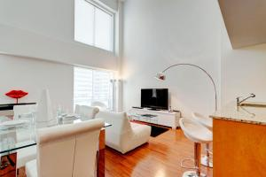 Palais-des-Congrès Furnished Apartments by Hometrotting, Apartmány  Montreal - big - 178