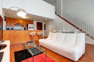 Palais-des-Congrès Furnished Apartments by Hometrotting, Apartmány  Montreal - big - 184