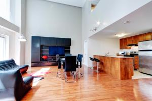 Palais-des-Congrès Furnished Apartments by Hometrotting, Apartmány  Montreal - big - 155