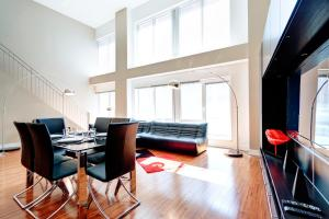 Palais-des-Congrès Furnished Apartments by Hometrotting, Apartmány  Montreal - big - 158