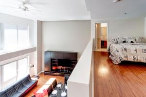 Palais-des-Congrès Furnished Apartments by Hometrotting, Apartmány  Montreal - big - 172