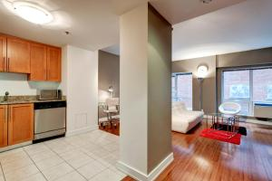 Palais-des-Congrès Furnished Apartments by Hometrotting, Apartmány  Montreal - big - 23