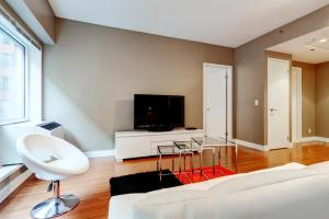 Palais-des-Congrès Furnished Apartments by Hometrotting, Apartmány  Montreal - big - 139