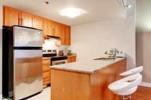 Palais-des-Congrès Furnished Apartments by Hometrotting, Apartmány  Montreal - big - 6